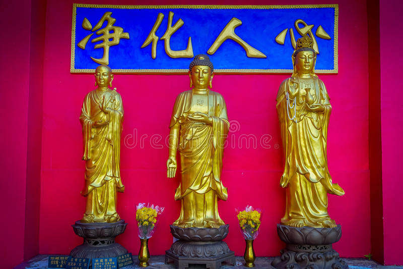 Estátuas em dez mil monastérios das Budas na lata de Sha, Hong Kong, China fotos de stock