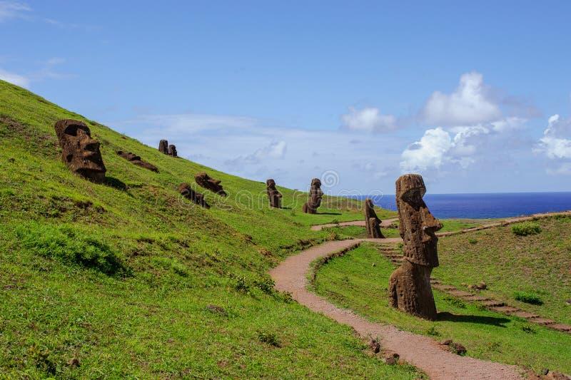 Estátuas em Isla de Pascua Rapa Nui Console de Easter Threesome foto de stock