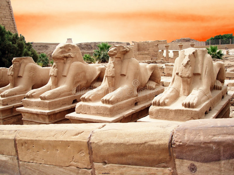 Estátuas em um Egipto fotos de stock royalty free