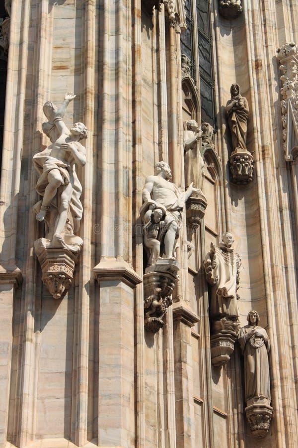 Estátuas na catedral de Milão imagem de stock royalty free