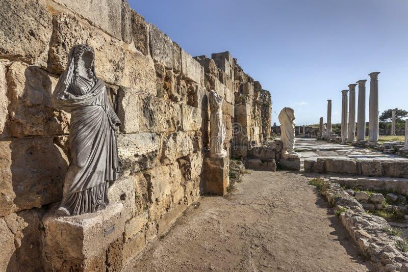 Estátuas no ginásio romano, salames, Chipre imagem de stock