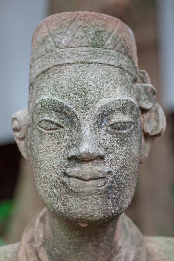 Estátuas no hotel de luxo moderno, Samui, Tailândia fotos de stock royalty free