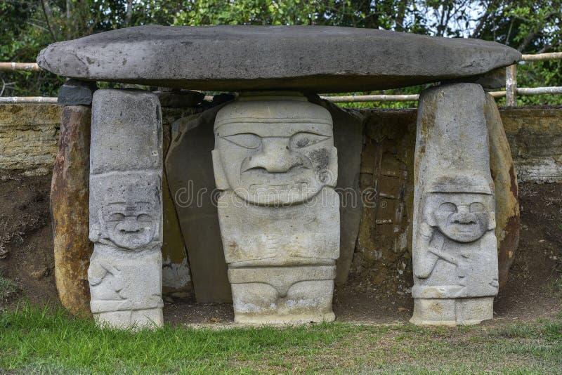 Estátuas pre-columbian antigas em San Agustin, Colômbia foto de stock royalty free