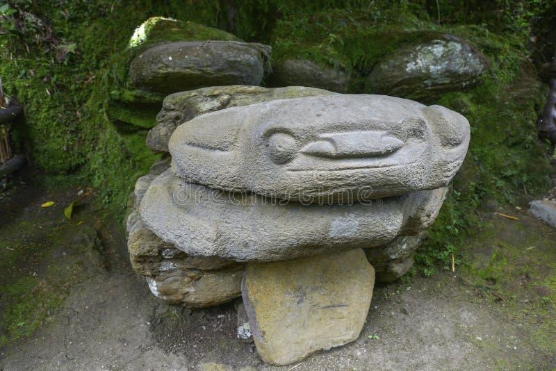 Estátuas pre-columbian antigas em San Agustin, Colômbia imagens de stock