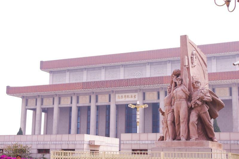 Estátuas revolucionárias na Praça de Tiananmen imagem de stock