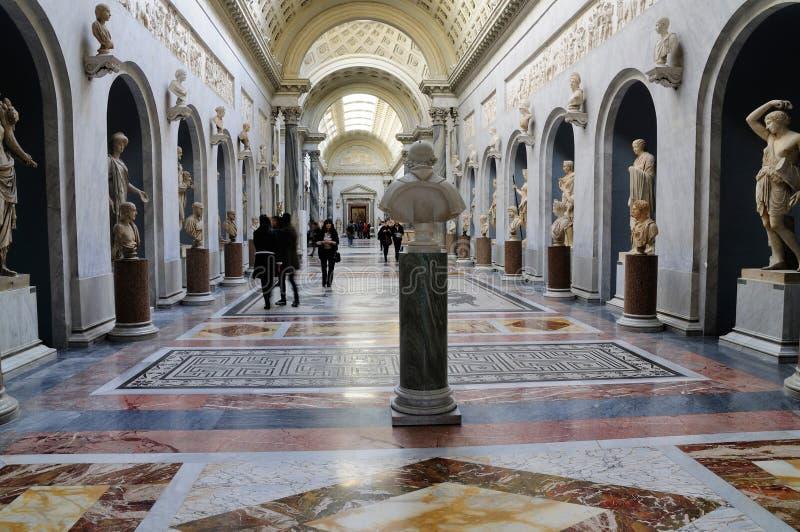 Estátuas romanas no museu de Vatican foto de stock