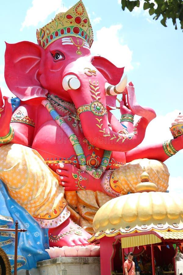Estátuas sagrados hindu Ganesh ou Ganesha do elefante, deus de povos hindu foto de stock