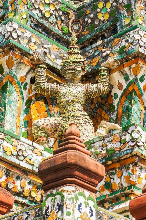 Estátuas tradicionais tailandesas do gigante da literatura fotografia de stock
