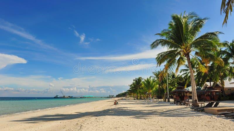 Estância de Verão bonita na ilha de Bantayan, Cebu fotografia de stock royalty free