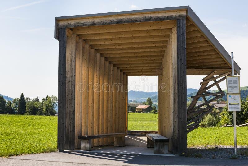 Estúdio amador China da arquitetura de Bregenzerwald da parada do ônibus fotos de stock