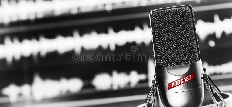 Estúdio de rádio em linha Microfone 1 imagem de stock