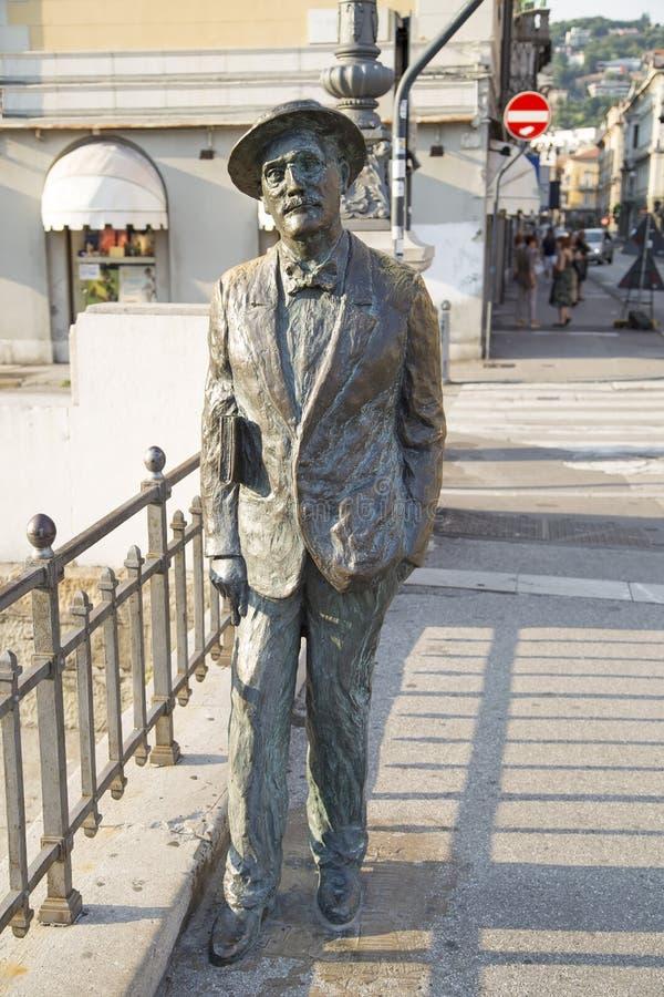 Est?tua de James Joyce em Trieste fotografia de stock