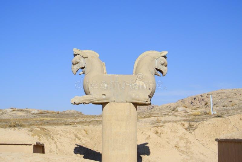 Est?tua Two-headed do grifo em Persepolis imagens de stock royalty free
