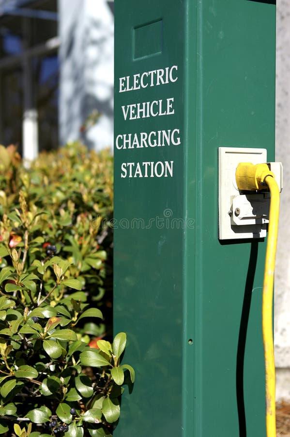 Estação cobrando de carro elétrico na celebração florida Estados Unidos EUA fotos de stock royalty free