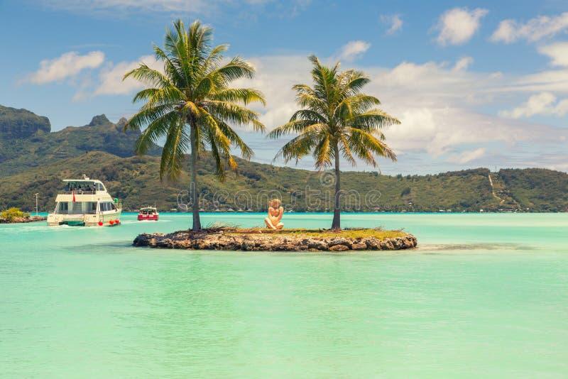 Estação da canela do barco em Bora Bora, Tahiti, Polinésia francesa fotografia de stock