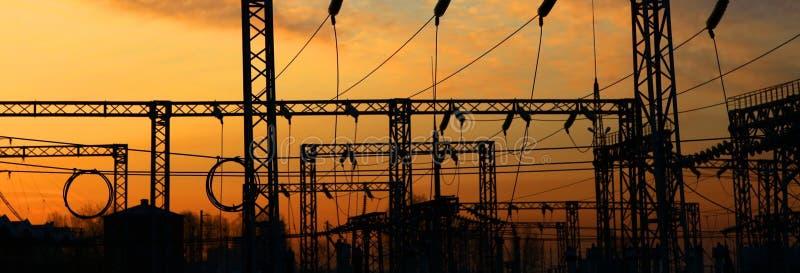 Estação da corrente eléctrica. Nascer do sol. fotografia de stock