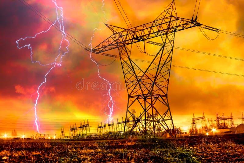 Estação da distribuição de potência com curto circuito. fotografia de stock royalty free