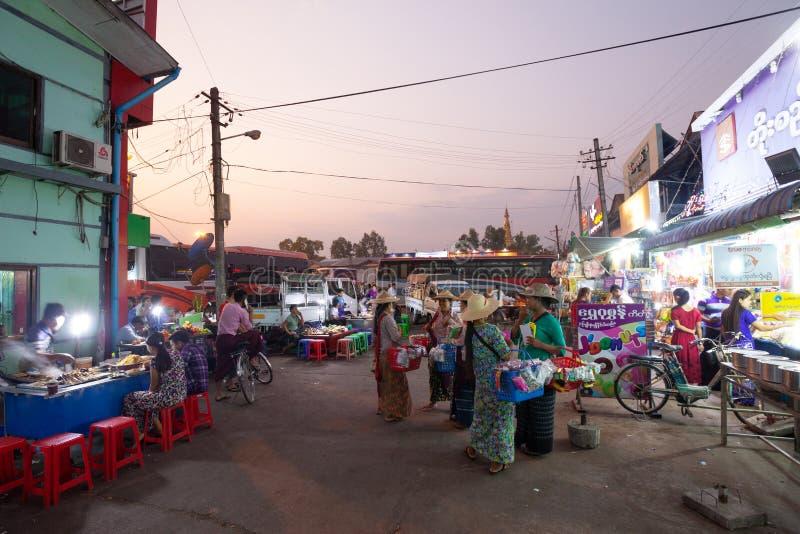 Estação de ônibus de Aung Mingalar imagem de stock royalty free