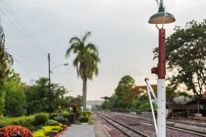 Estação de caminhos-de-ferro e estrada de ferro fotografia de stock royalty free