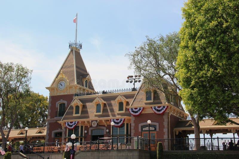 Estação de caminhos-de-ferro em Main Street, U S A , Disneylândia Califórnia imagem de stock