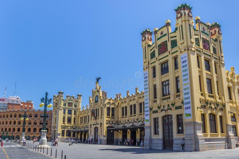 Estação de caminhos-de-ferro histórico no centro de Valência fotografia de stock