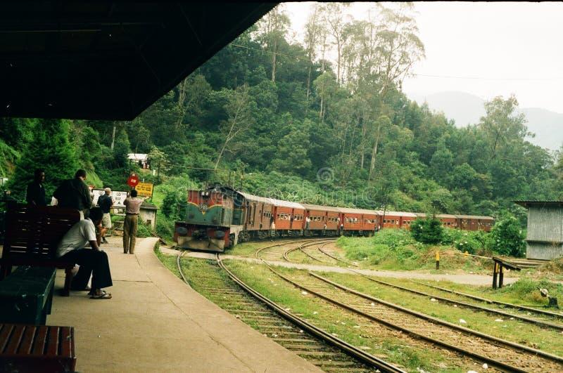 Estação de caminhos-de-ferro na extremidade dos mundos foto de stock
