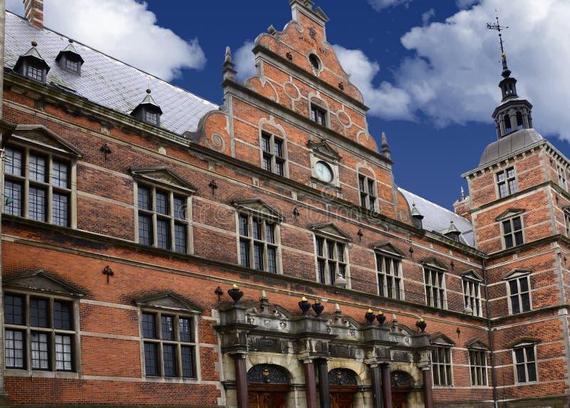 Estação de caminhos-de-ferro velho Helsingor Dinamarca imagem de stock