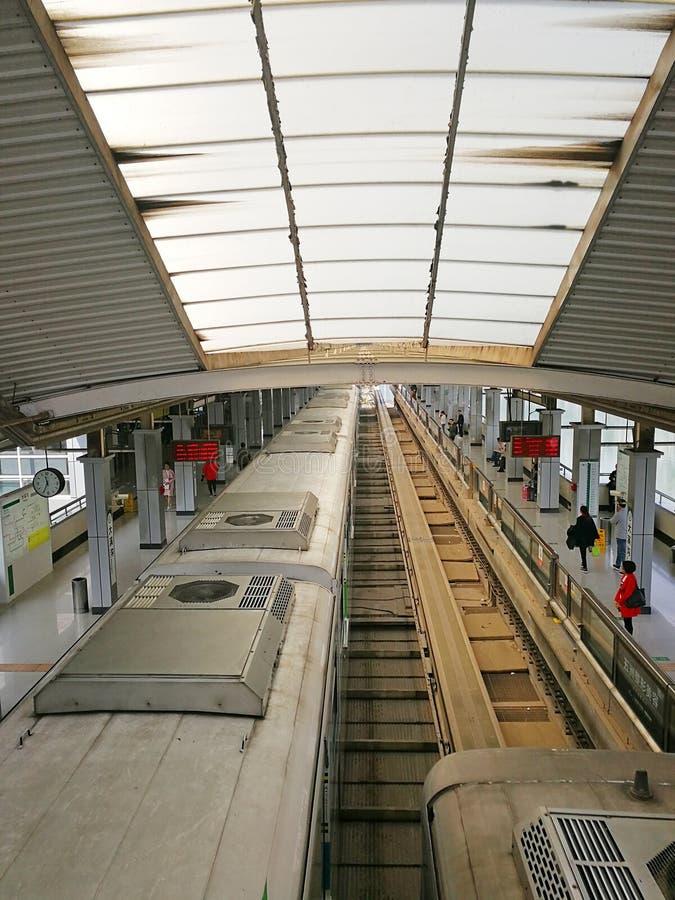 Estação de caminhos-de-ferro claro do trilho imagem de stock royalty free