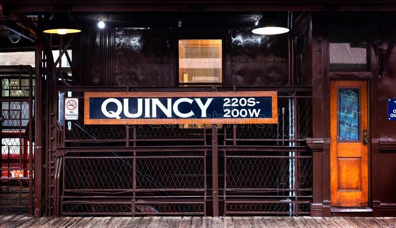 Estação de caminhos de ferro de Quincy na cidade de Chicago fotos de stock