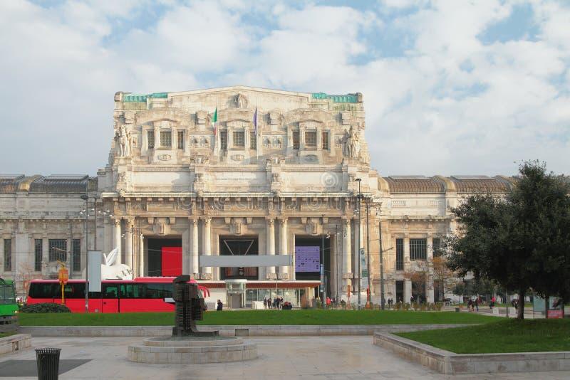 Estação de comboio central Milão, Itália imagens de stock