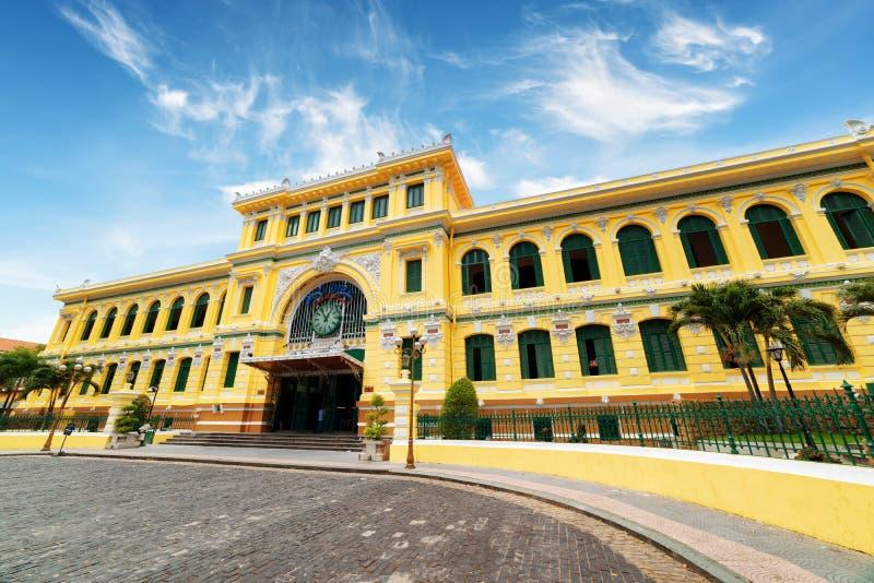 Estação de correios central de Saigon em Ho Chi Minh City, Vietname foto de stock royalty free