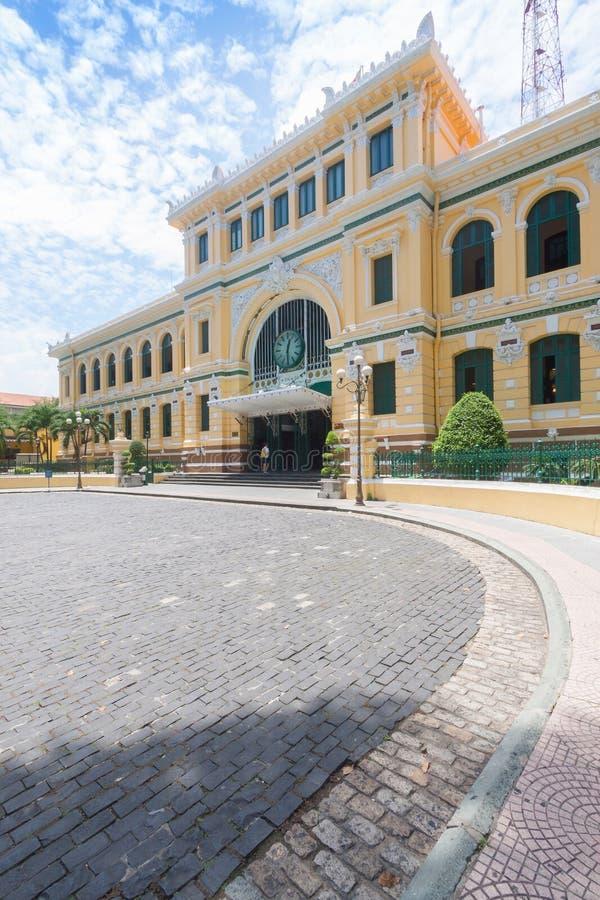 Estação de correios central de Saigon em Ho Chi Minh, Vietname fotografia de stock royalty free