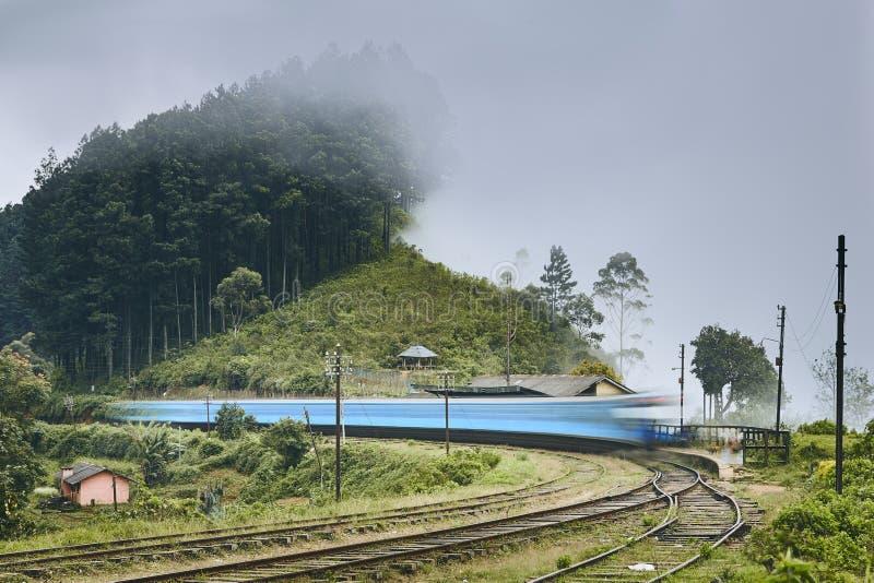 Estação de estrada de ferro em Sri Lanka foto de stock royalty free