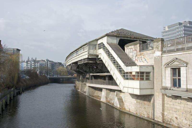 Download Goerlitzer Bahnhof imagem de stock. Imagem de água, linha - 29827723