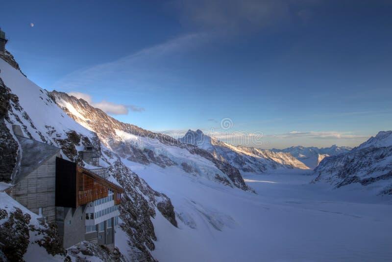 Estação de Jungfrau e geleira de Aletsch, Switzerland foto de stock