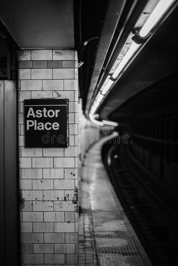 A estação de metro de Astor Place, em Manhattan, New York City imagem de stock