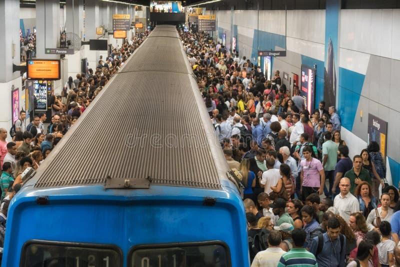 Estação de metro em horas de ponta, Rio de janeiro de Botafogo imagem de stock royalty free