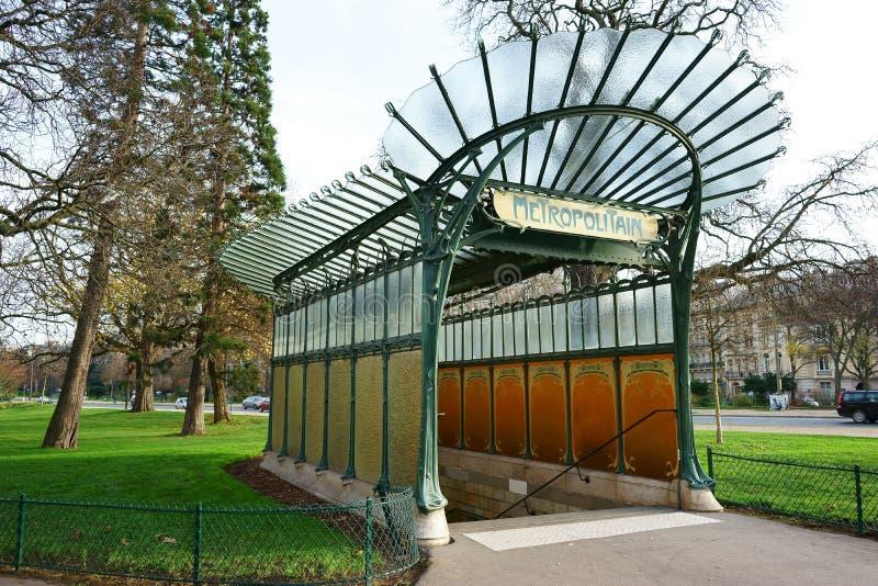 Estação de metro Paris de Porte Dauphine imagem de stock