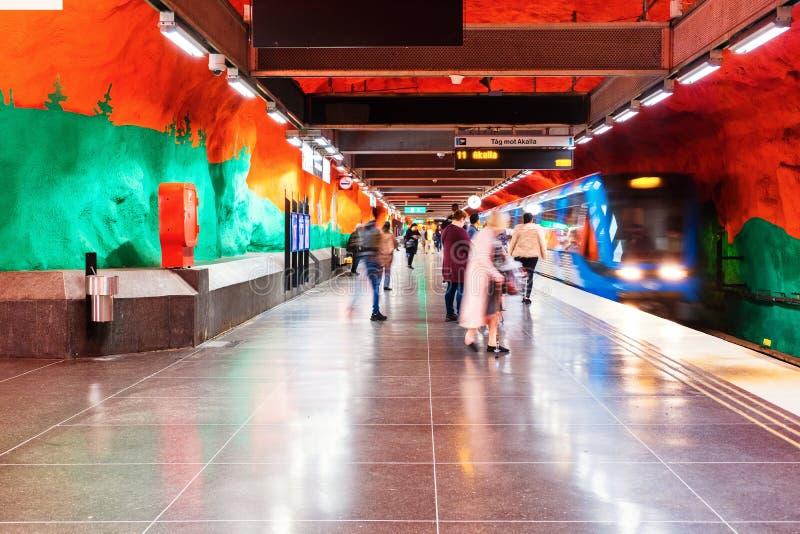Estação de metro de Solna em Estocolmo, Suécia imagem de stock