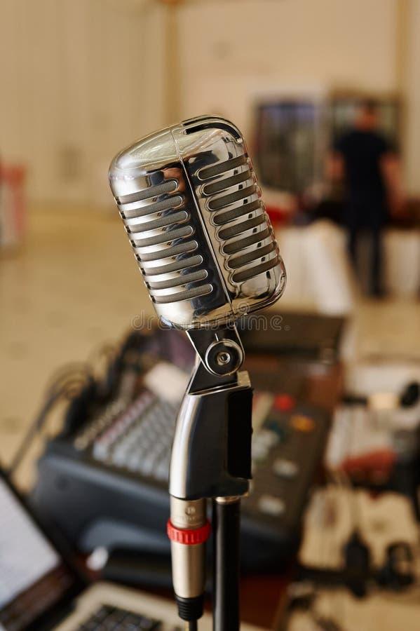 Estação de rádio vocal do microfone fotos de stock