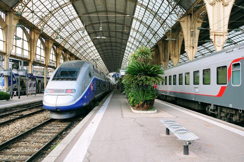 Estação de trem agradável imagens de stock