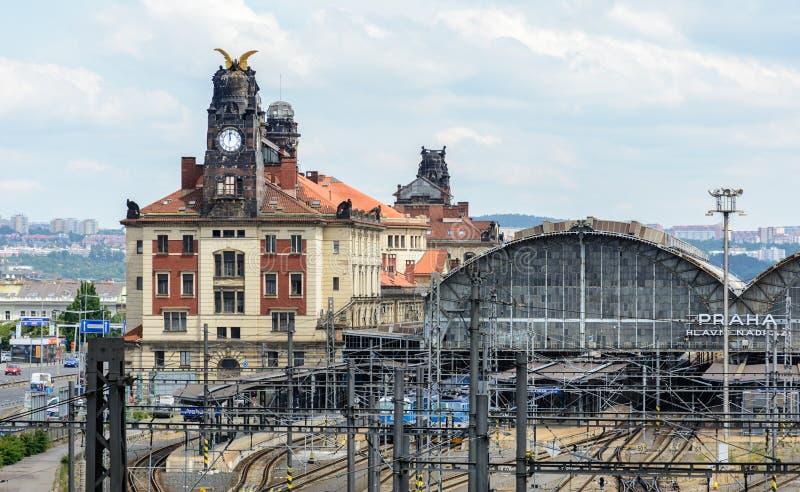 A estação de trem central principal é a junção de estrada de ferro a maior e a mais importante de Praga e o todo de República Che fotos de stock