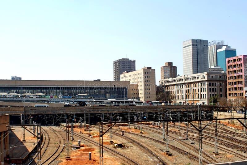 Estação de trem da periferia em Joanesburgo do centro fotografia de stock