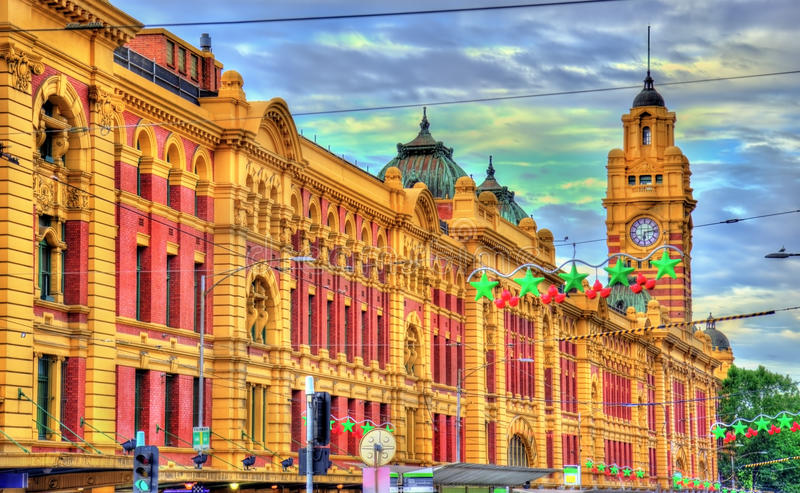 Estação de trem da rua do Flinders, uma construção icónica de Melbourne, Austrália imagens de stock royalty free
