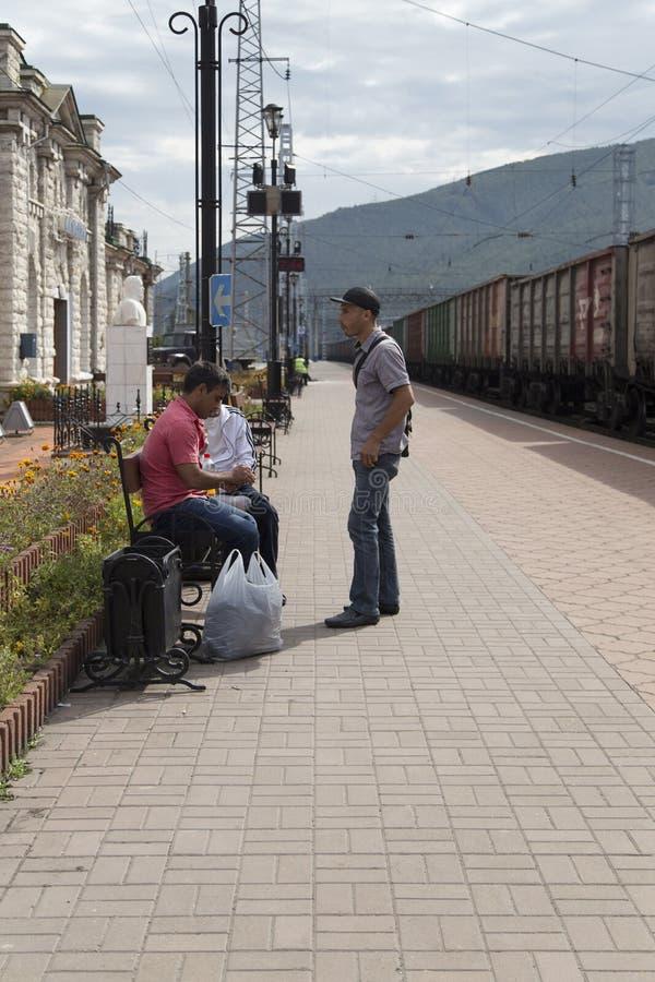 Estação de trem de Sludyanka na Federação Russa fotografia de stock