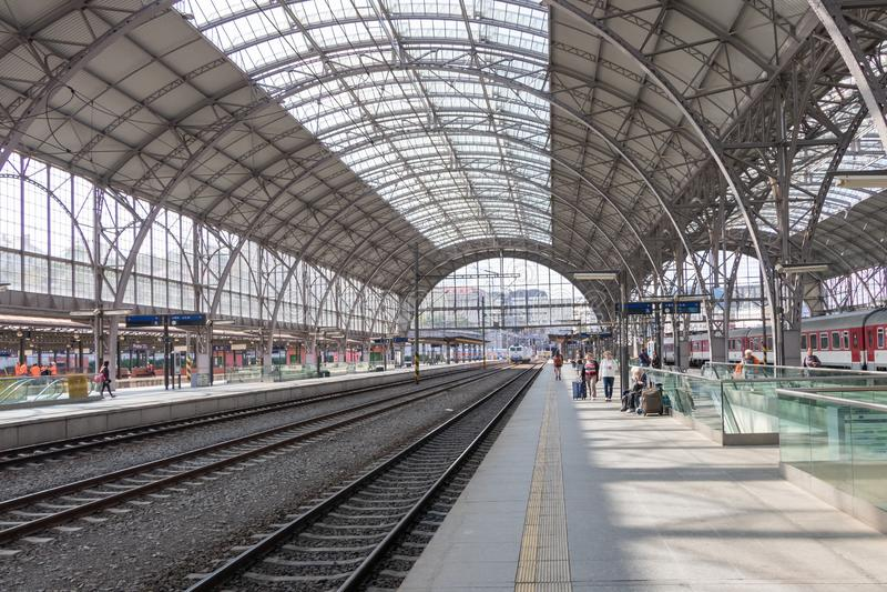 Estação de trem do cano principal de Praga fotografia de stock royalty free
