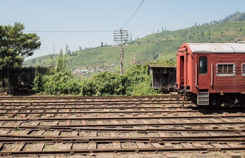 Estação de trem em Ásia HATTON, SRI LANKA - CERCA DO 15 de janeiro de 2017 imagem de stock