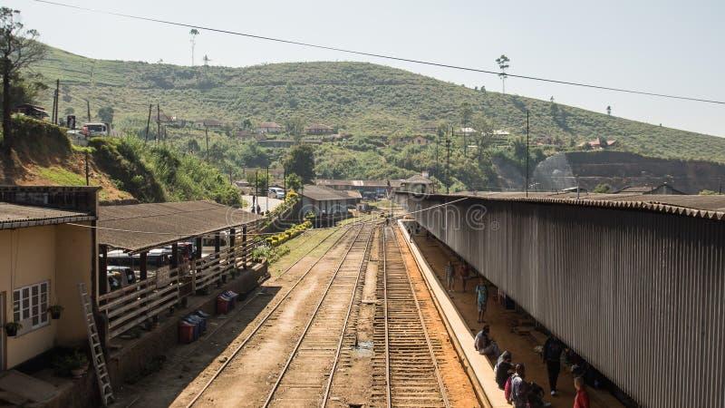 Estação de trem em Ásia HATTON, SRI LANKA - CERCA DO 15 de janeiro de 2017 imagem de stock royalty free