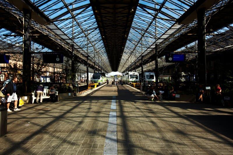 Estação de trem em Helsínquia Finlandia imagem de stock