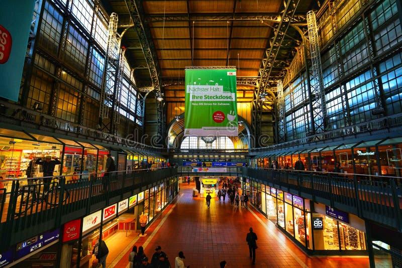 Estação de trem de Hamburgo Hauptbahnhof imagens de stock
